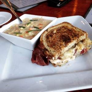 Iowa corn chowder with Iowa bacon and one of the best Reuben sandwiches ever! Made with Iowa raised Elk pastrami.   https://twitter.com/vestaiowa