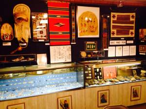 The Buffalo Bill Museum has a great display of local Native American artifacts from LeClaire and all around the Mississippi Valley.  https://www.facebook.com/pages/Buffalo-Bill-Museum-LeClaire-IA/156704987708802