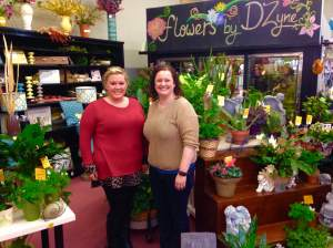 Meet the ladies of a 1000 different hats! Cynthia Sherman and Stephanie Connor.  http://bestgrinnellflowers.com/