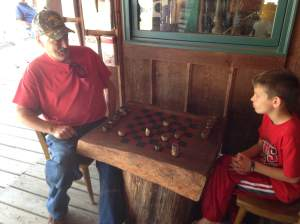 An old fashion checkers dual broke out on the deck. Two worthy adversaries bringing their  A-game to Betonsport.